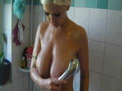 Schwager filmt mich beim Duschen