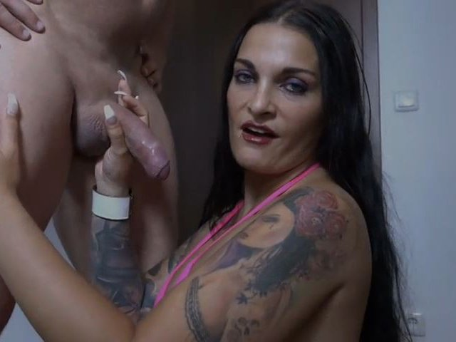 6. Video - Mein Erstes Blowjob Video