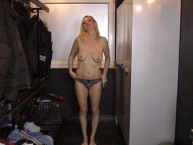 Abgefickt in der Umkleidekabine