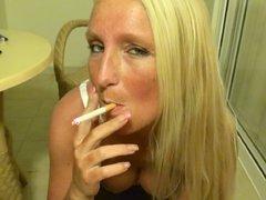 Sperma-Job - Smoking Blondie
