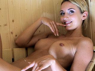 Geil in der Sauna! Wichs mit mir!