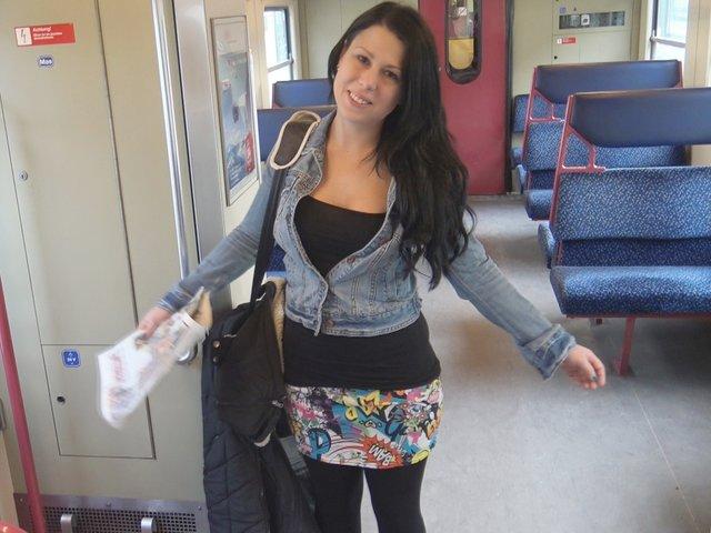 PUBLIC in der S-Bahn ! Dreisten Deal mit Schaffner eingegangen!